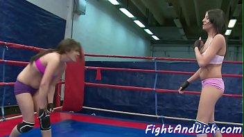 Wrestling beauties enjoying in facesitting