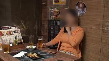 【流出】【100%完全ガチ】弾乳Fcup高級アロマエステ店員47歳【個撮・隠し撮り】女の性欲を飛躍的に増大させるアルコールを出す生中率100%の出会い系居酒屋【身バレ即削除】