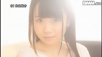 【ロリ】綺麗な色白乳房に桃色乳輪が最高にエロい美少女に色んなエッチなコトしちゃう