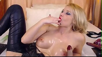 Blonde Girl Fingering Her Ass and Pussy - tinyurl.com/y95kz4re