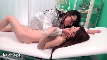 Lesbea Hot doctor Anna Rose prescribes petite teen Tera Link with lesbian pussy eating