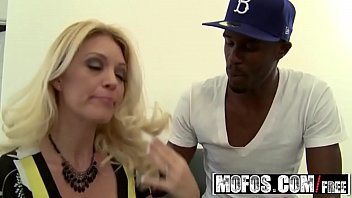 Blonde milf (Charlee Chase) wants that big black dick - MOFOS