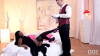Butler is granted epic footjob before pussy bang with bossy Jasmine Webb