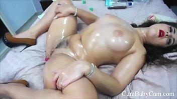 Oily Pussy Play - CumBabyCam.com