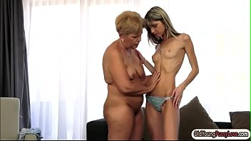 Hot grannies naked Petite doris ivy licked by a granny and tastes her pussy too