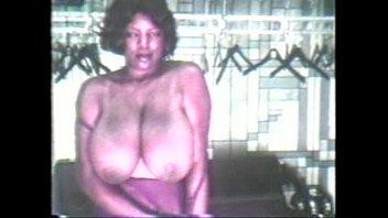 Vintage Busty Ebony Milf Bert Vorschaubild