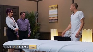 Real Wife Stories - (Monique Alexander, Xander Corvus) - Spa For Horny Housewives - Brazzers 10分钟