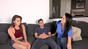 Son Makes A Threesome With His Mother And His Sister - Momsaw.com
