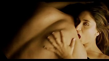 Kareena Kapoor hot sex with co-actor