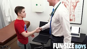 Tiny twink - Funsizeboys - tiny twink seduced by kingsize doctor during medical exam