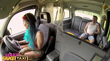 Female Fake Taxi Summer time fuck for passenger