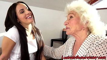 Hairypussy grandma pussylicked by teen babe