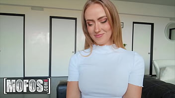 (Scarlet Chase) Proves Her Feelings For Her Bff (Elic Chase) By Bouncing Her Big Ass On His Cock - Mofos