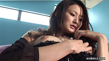 Japanese gal, Risa is using a tiny vibrator, uncensored