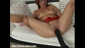 Florence and the machine upskirt - Brunette is plowed by a brutal dildo machine