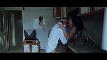 koksuz-filmi-sevisme--mihriban-er