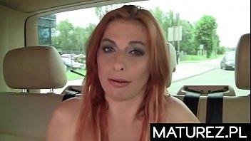 Polskie mamuśki - Sex w samochodzie z rudą mamuśką