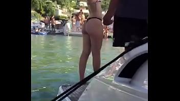 Nalgona de mi hija en bikini
