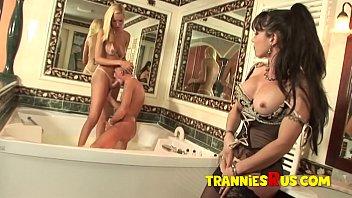Tranniesrus - Boy-Girl-Tranny Fuck in the Bath Tub