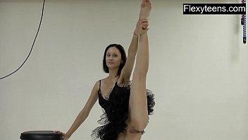 Naked guys in sports - Flexyteen markova