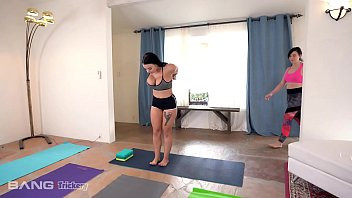 Trickery - Big Tits Babe Tricked Into Sex By Yoga Instructor thumbnail