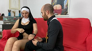 Confieso mis pecados y perversion al padre cae en mis lujurias mamada de polla garganta profunda ( pamela y jesus ) pareja porno amateur Spanish 10分钟