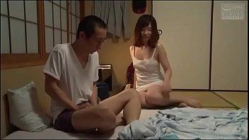 Japanse slet zus (Zie meer: bit.ly/2Snion5)
