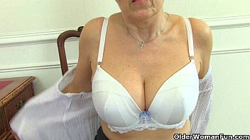 Grannies fingering pussy - English granny savana is fingering her old pussy