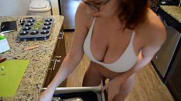 Huge boobs annie k Richard sutherland fucks milf in kitchen