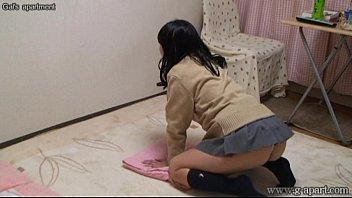 Japanese Schoolgirl Yurina Open Legs