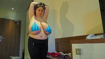 Alice 85JJ - Extreme natural boobs in small bra
