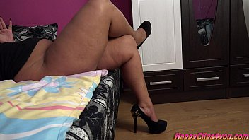Gina high heels shoe dangling