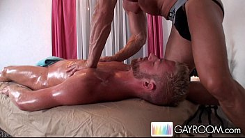 Gay gluteus - Special gluteus massage