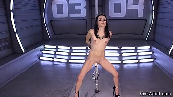 Pole dancer takes machine in wet pussy