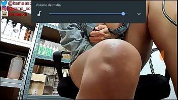 Cam4 masturbando e fodendo no trabalho
