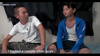 Порно ебуться группавухой геи