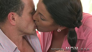 Brtish mature Mom mature brunette gets creamed