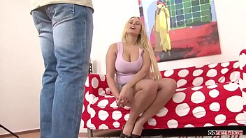 Vikki Take A Big Cock HD