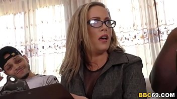 I Am Not That Kind Of Mom, I'm Married! - Carmen Valentina
