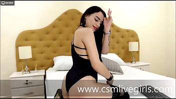 Ven a saborear mis tetas - LucianaRomman modelo latina Image