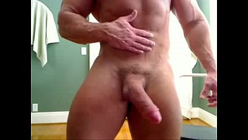 HUGE Bodybuilder Big Dick Wank LIVE on www.HornyBroCam.com