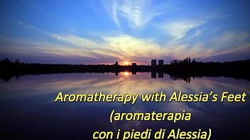 Aromatherapy with Alessia's Feet (ItalFetish)