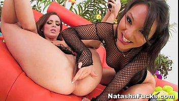 Natasha's 1st Anal with Asa Vorschaubild