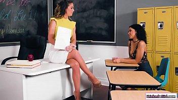 Ebony teen licks lesbian teachers ass