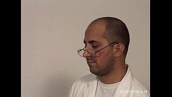 Ho portato mia moglie in cinta dal dottore e quel porco le ha sborrato in fica image