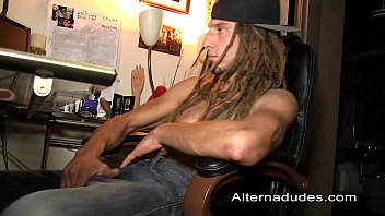 hot skater with dreads