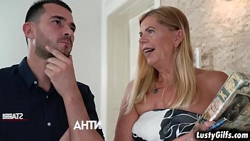 Mature sex meet - Flirty mature real state broker samantha finally meet her hot young client john price and started an awesome sex with him.
