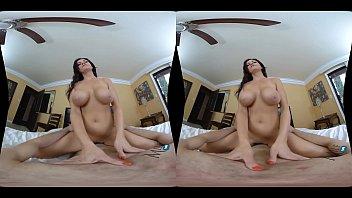 MilfVR - RoomMating ft. Becky Bandini