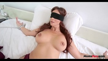 Mom and son fucking utube videos - Blindfold mom thought it was dads dick