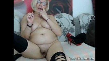 Mature perverted masturbating on webcam